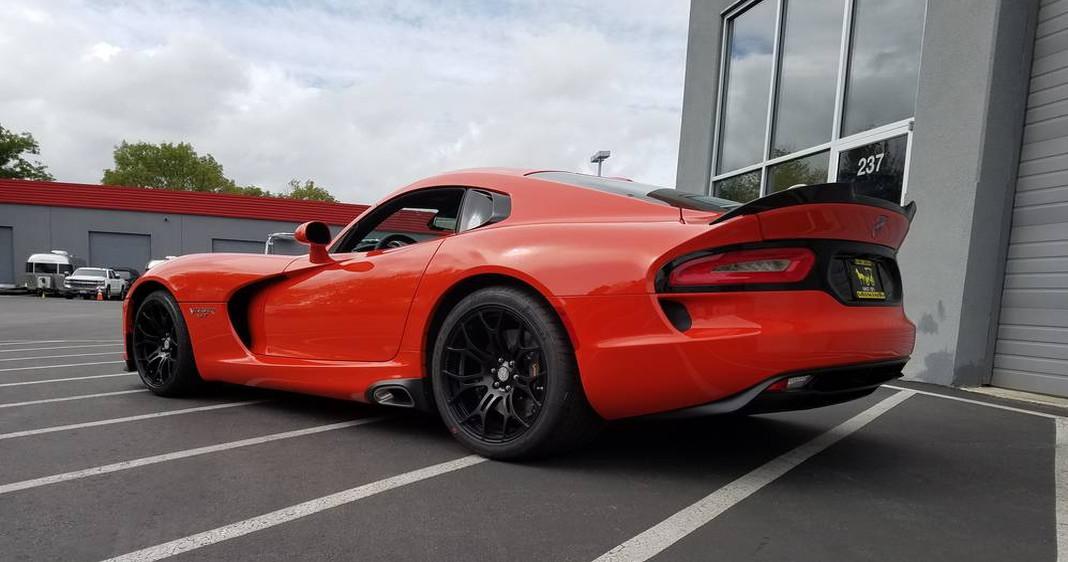 Viper GT TA.jpg