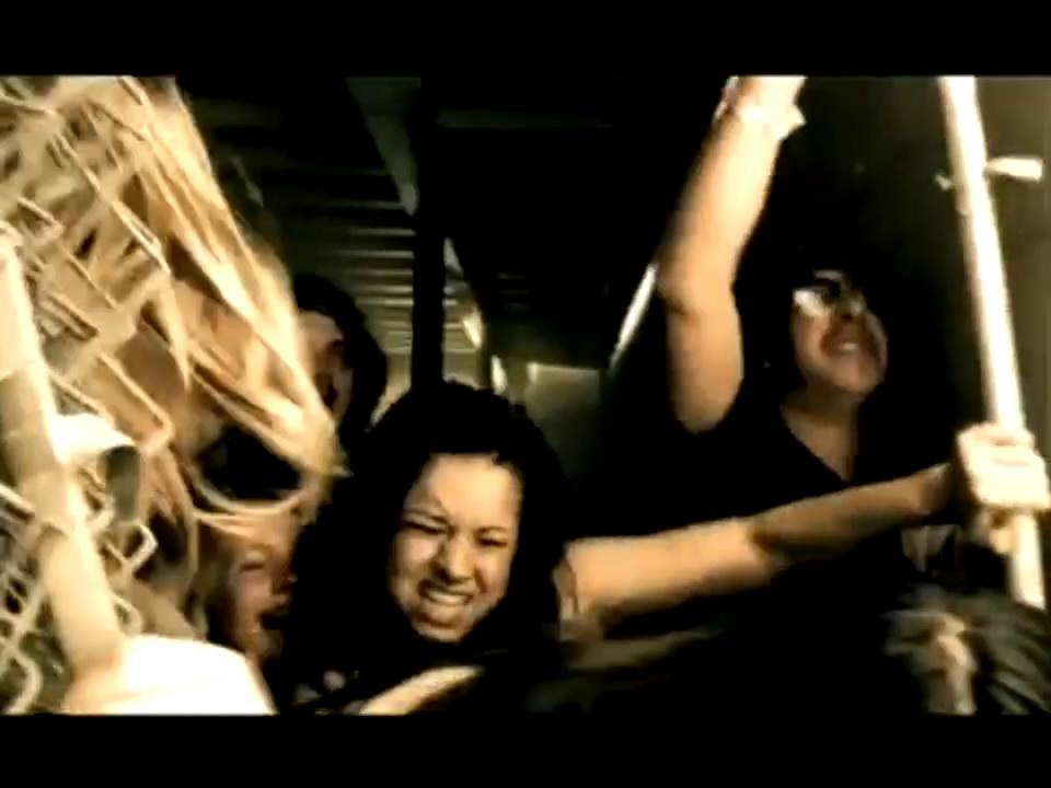 Billy Talent - Red Flag HD_(720p).mp4_snapshot_01.08_[2011.03.21_17.27.45].jpg